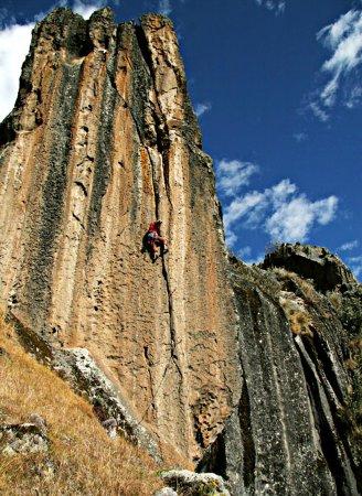 hatun-machay-4200-msnm